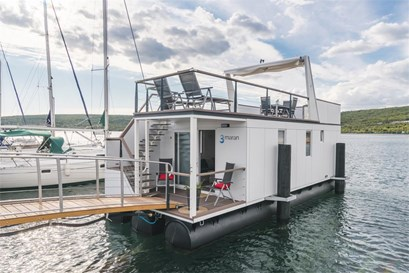 Floating Holiday Home